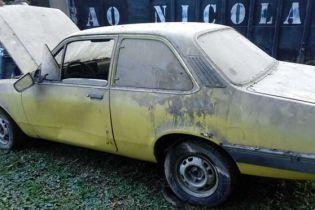 У Бразилії відшукали сховище раритетних автомобілів Chevrolet, які продають за 300 доларів