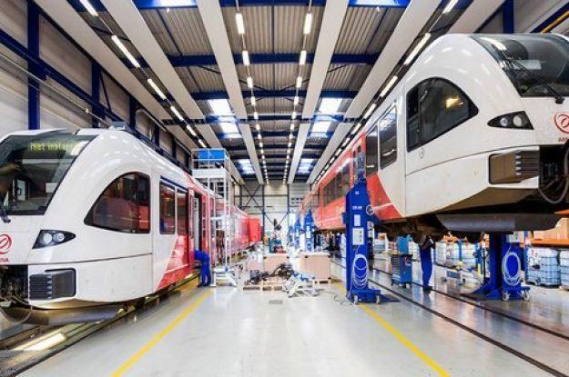Швейцарская компания Stadler может начать производство поездов в Украине: названо условие