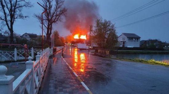 В Боярке сгорел приют для бездомных