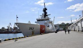 """Американський фрегат у Чорному морі: як """"Гамільтон"""" зустрічали в Одесі"""