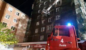Пожежа у львівській багатоповерхівці могла статись через вибух електровелосипеда: подробиці