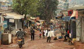 Викрадали дітей для бізнесменів та відрізали кінцівки: в Уганді заборонили жертвоприношення
