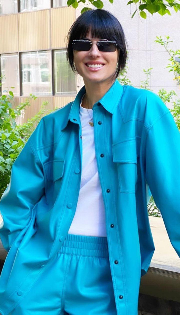 У блакитному костюмі: Маша Єфросиніна похвизувалася стильним луком і порадила книжку