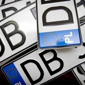 Нескінченні пробки і смертельні ДТП: як Україна заплатить за авто на єврономерах
