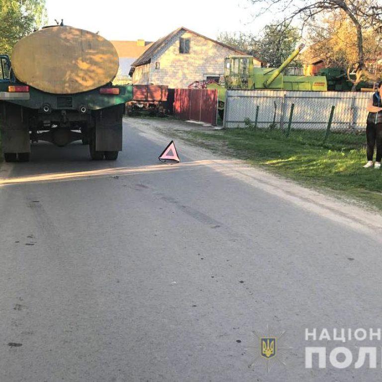 Пока мать следила за другими детьми: в Ровненской области грузовик насмерть сбил 6-летнего мальчика