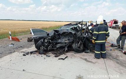 У Миколаївській області сталась жахлива ДТП: троє загиблих (відео)