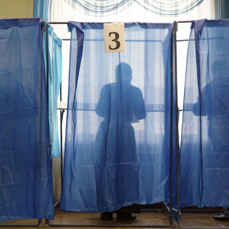 Местные выборы 2020: почему в первом туре тотально победили старые лица и где во втором будет горячее всего