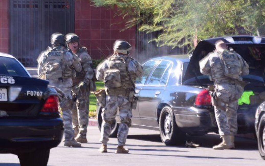 Спецназовцы на месте преступления. / © twitter.com/crimeshutterbug