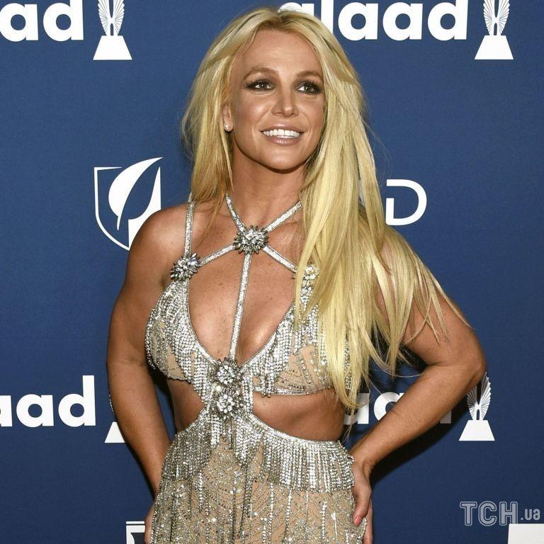 Запрещали беременеть и давали наркотики: известные звезды поддержали Бритни Спирс в деле против опекунства ее отца