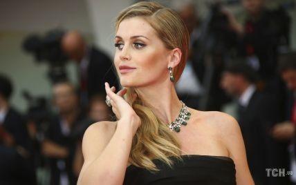 У сукні від Dolce & Gabbana: племінниця принцеси Діани вийшла заміж за 62-річного мільярдера