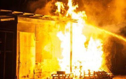 На Луганщине взрываются боеприпасы и горят склады ВСУ - СМИ
