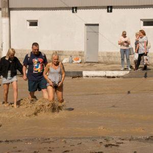 У Ялті кількість постраждалих внаслідок потопу зросла до 24, двоє людей зникли безвісти: деталі