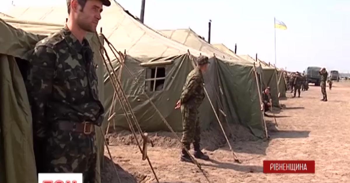 В Ровенской области иномарка насмерть сбила военного