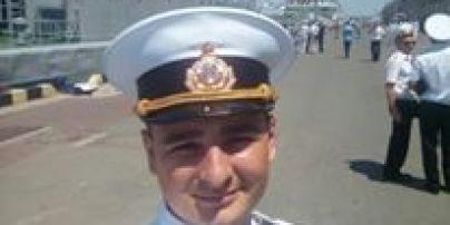 """""""Руки-ноги целы"""". Раненого украинского моряка прооперировали и дали позвонить жене"""
