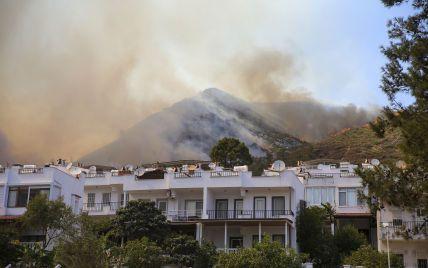 На півдні Туреччини спалахнули нові пожежі