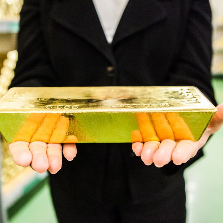 Спалах коронавірусу вдарив по цінах на золото