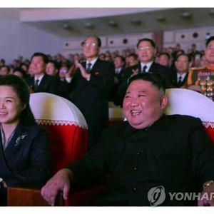Жена лидера КНДР Ким Чен Ына впервые за более чем год появилась на публике