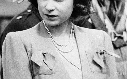 В этот день 77 лет назад: рассматриваем образ 18-летней принцессы Елизаветы