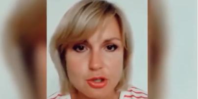 """Пригрозила и заявила, что это — """"фейк"""": украинка, которая показательно выбросила паспорта Украины, записала обращение"""