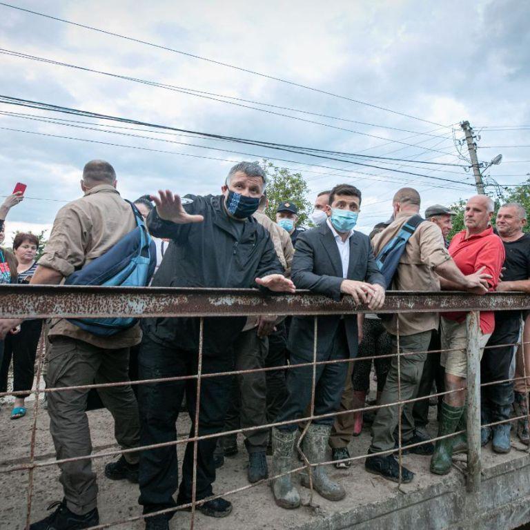 """""""Затоплене майже все"""" - Зеленський про свої враження від паводку на Прикарпатті"""