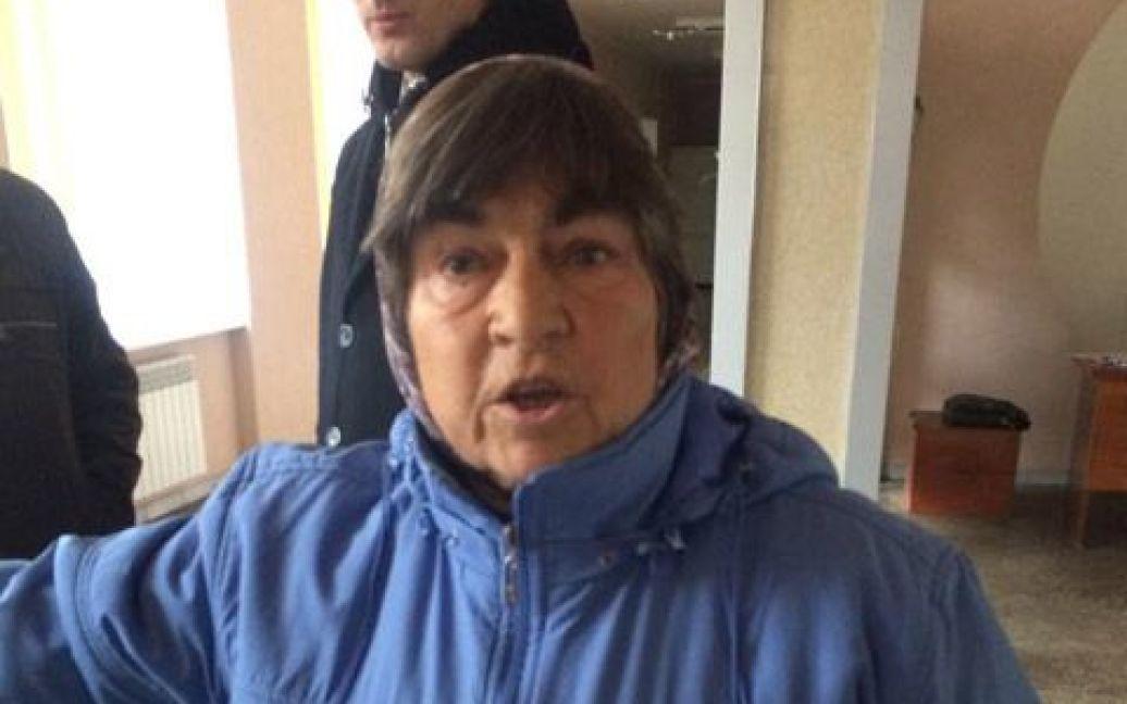 Бабушка получила по лицу / © Украинская правда