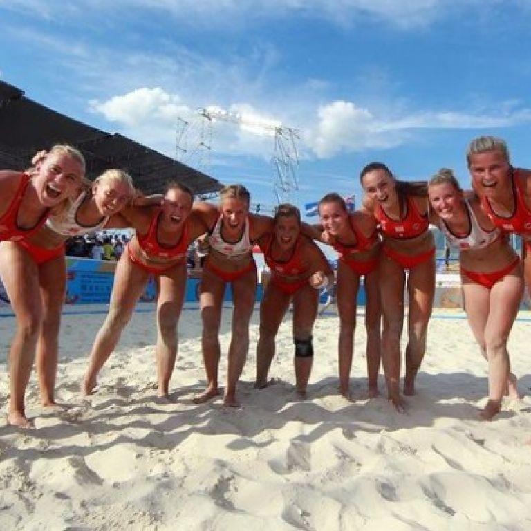 Протест гандболісток із Норвегії спрацював: на пляжі можуть дозволити не лише бікіні, а й шорти