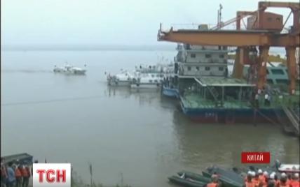 На затонувшем теплоходе в Китае погибли почти 400 человек