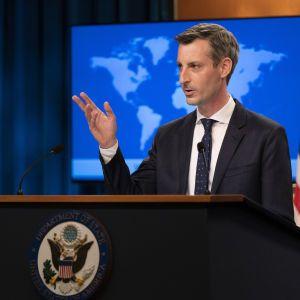 Заявление России об отводе войск от украинской границы пока остается лишь словами — Госдеп США
