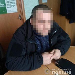 В Киеве работник автосалона украл Mercedes, но разоблачил себя, когда остановился отремонтировать магнитолу на СТО