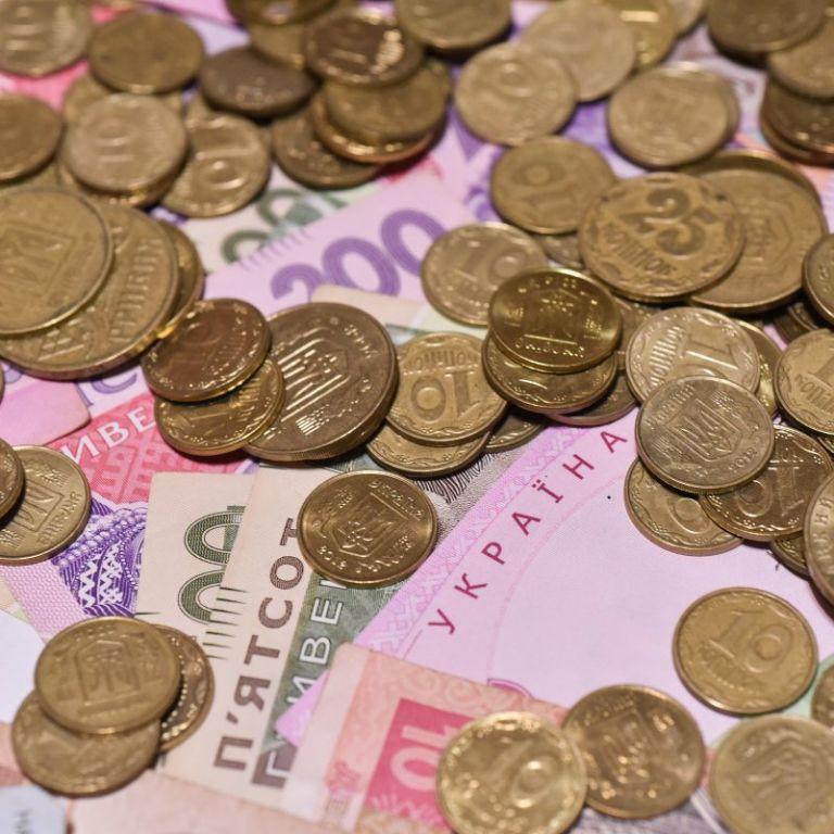 Деньги для собственного дела: Минсоцполитики хочет помогать малоимущим и безработным
