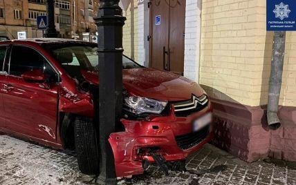 На Волыни пьяная 18-летняя девушка влетел в металлический столб: фото