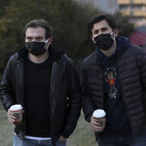Пандемия коронавируса: Турция ослабляет карантин, а Черногория открыла границы для туристов