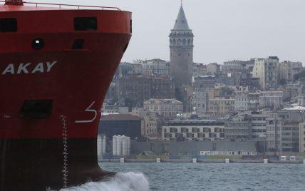 У Туреччині затримали судно з українськими моряками: їх підозрюють в контрабанді наркотиків