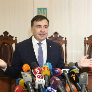 """""""Він втратив підтримку Заходу"""": експерт прокоментував можливе призначення Саакашвілі в уряд"""