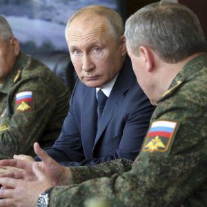 Росія хоче створити 20 нових військових частин на кордонах з Україною і країнами Балтії