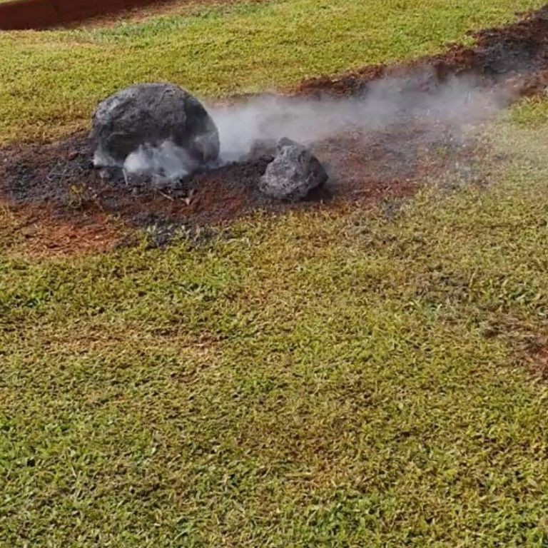 """NASA збиралася вивчати падіння """"метеорита"""" на шкільне подвір'я у Австралії: це виявилося експериментом учнів"""