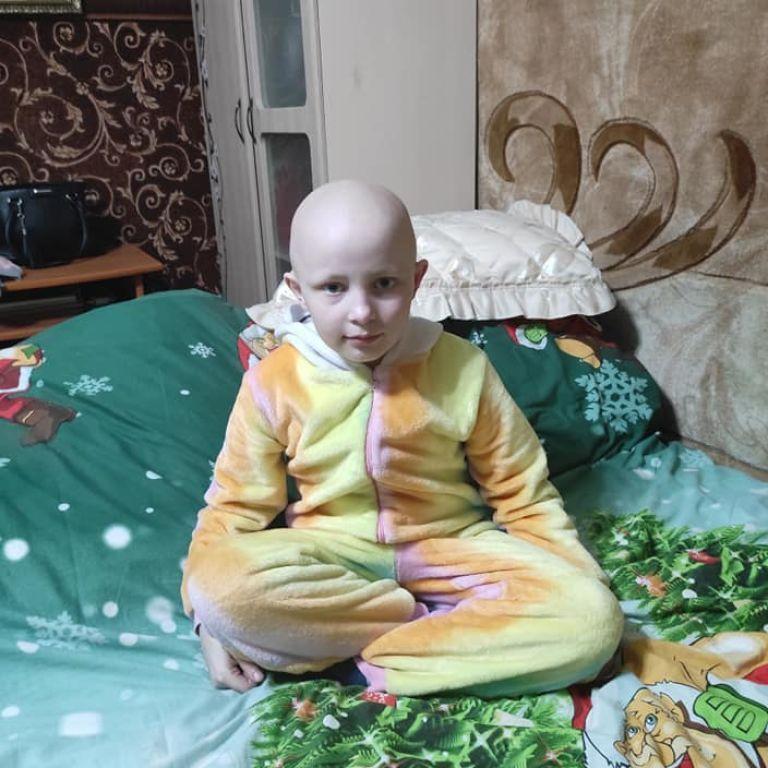Анютка борется с раком уже два года, но лечение нужно продолжать
