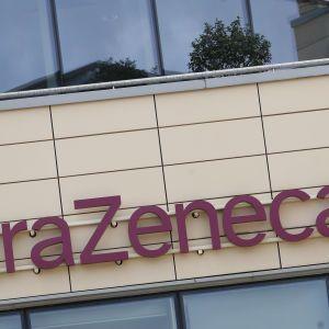Преимуществ вакцины больше, чем рисков: Минздрав Канады заявил о безопасности препарата AstraZeneca