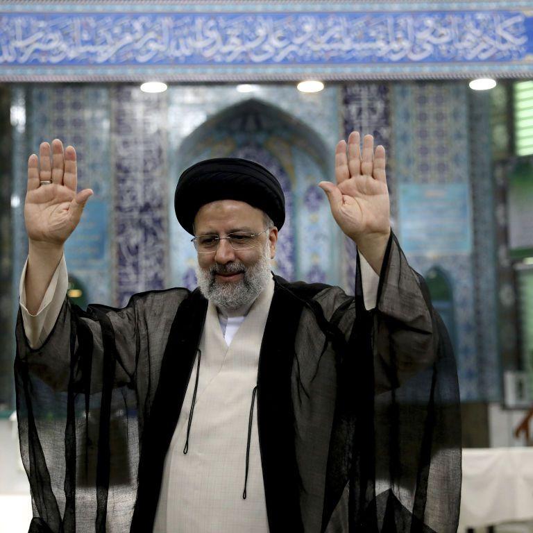 В Ірані відбулися президентські вибори: з великим відривом лідирує колишній генпрокурор