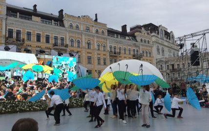 Зажигательные танцы и велопробег. Как Киев празднует свой День рождения