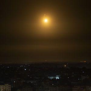 Ізраїльська авіація атакувала офіс ісламського банку в Секторі Гази
