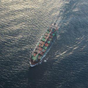 Кораблекрушение в Черном море: спасенные украинские моряки возвращаются домой