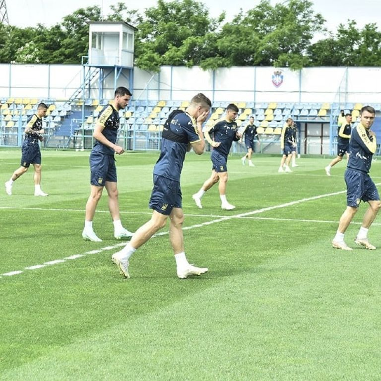 Сборная Украины провела заключительную тренировку перед вылетом на стартовый матч Евро-2020