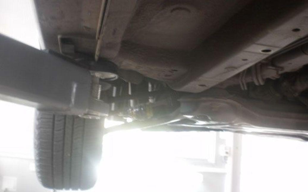 В Полтаве на дно автомобиля Hyundai прикрепили гранату / © Пресс-служба МВД Украины