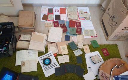 В Украине мошенники организовали схему создания нелегальных документов для выезда в Польшу: как она работает