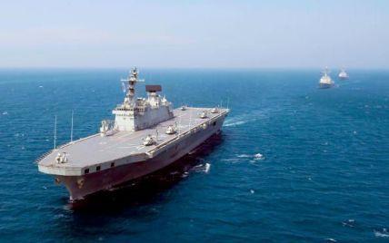 Военный эсминец США приблизился к спорным островам Китая
