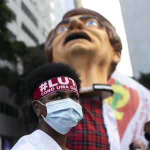 У Бразилії спалахнув протест проти президента і його дій у боротьбі з коронавірусом