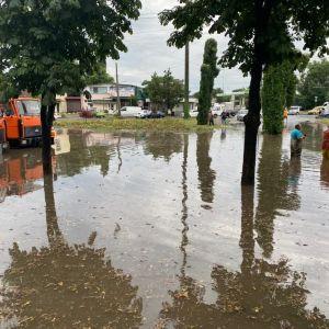 Потоп в Одессе: где не проехать и как работает транспорт в городе