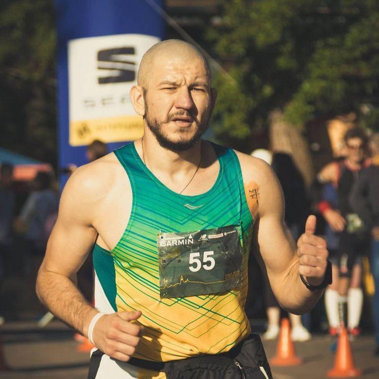 Покорил Долину смерти: украинский бегун переписал историю самой тяжелой гонки в мире
