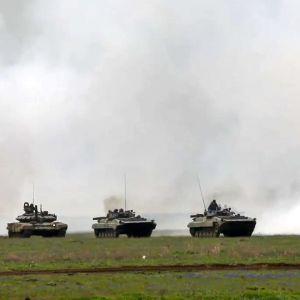 """Россия начала перебрасывать свои войска в Беларусь: готовятся к """"Запад-2021"""""""